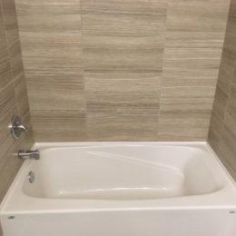 New Brighton Bathroom Bathtub